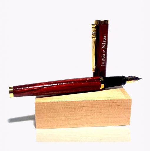 Customised Crocodile Texture Fountain Pen with name engraved is best online gift & present