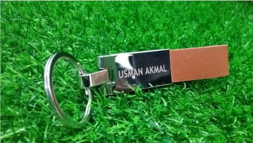 Extensive Leather Keychain from Pehouse is made from premium leather and is best to gift on birthday, anniversary or marriage.